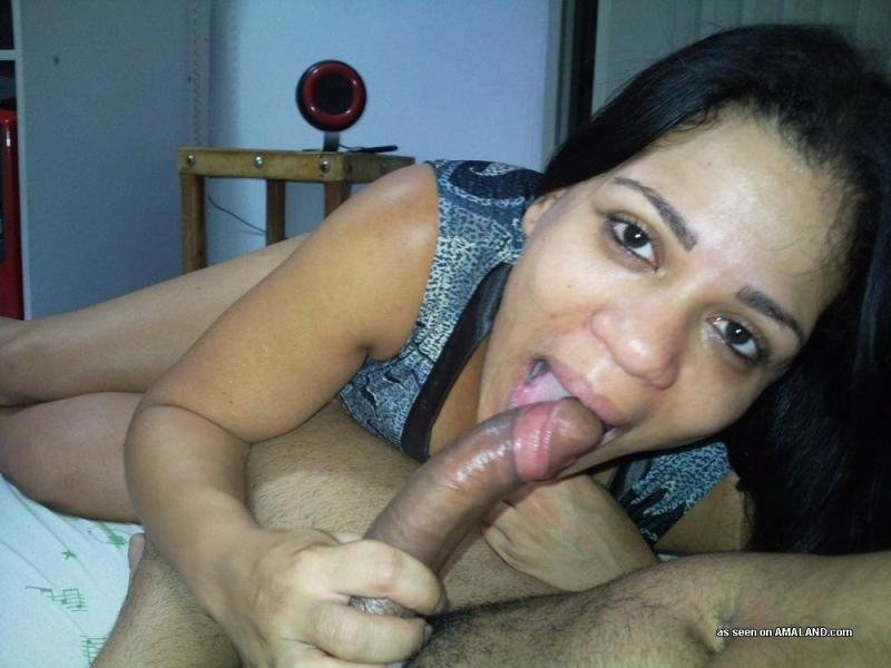 Caiu na net Fotos da Esposa brasileira levando gozada na cara