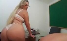 Professor safado fudendo a diretora bunduda da escola